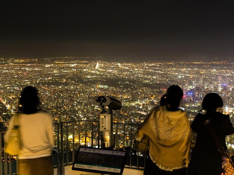 藻岩山展望台の夜景の見に行き方・楽しみ方【北海道・札幌】
