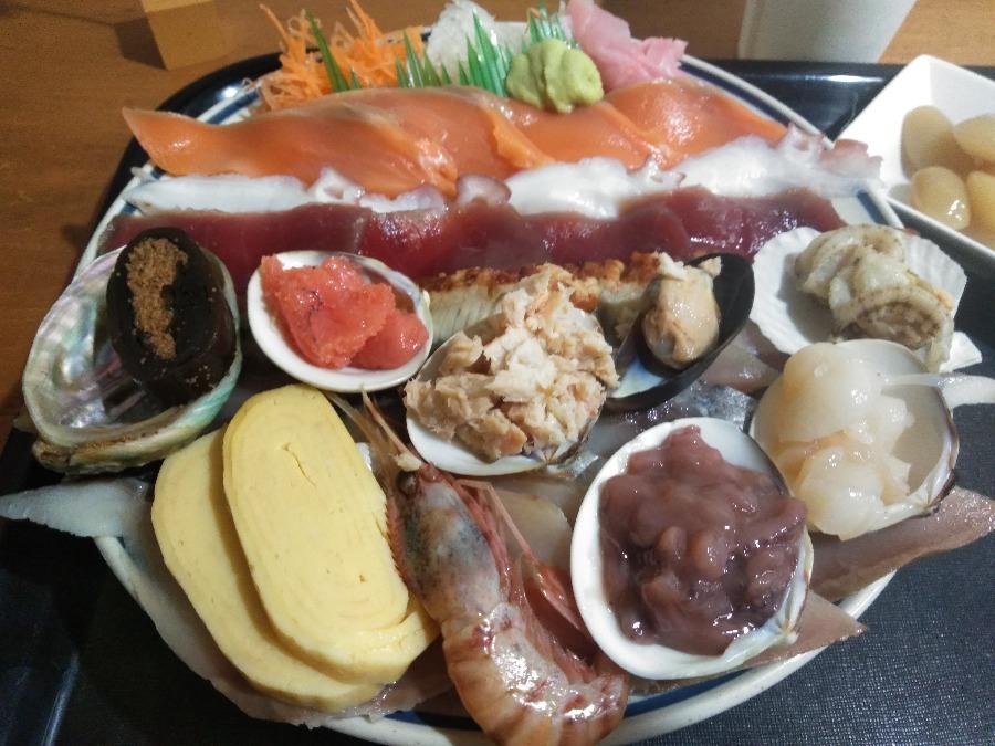 北海道・札幌のデカ盛り海鮮『みゆきちゃん定食』には絶対に行こう!