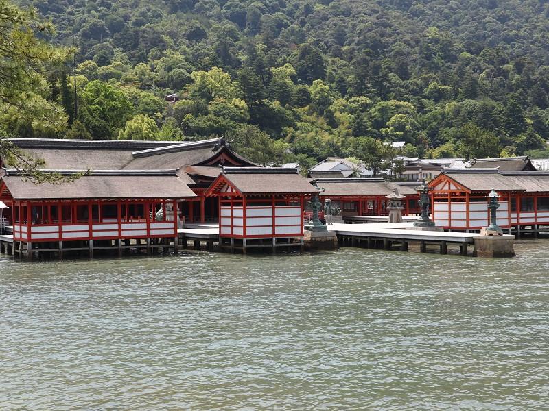 日本三景。厳島神社、宮島水族館へのアクセス【広島・安芸観光】