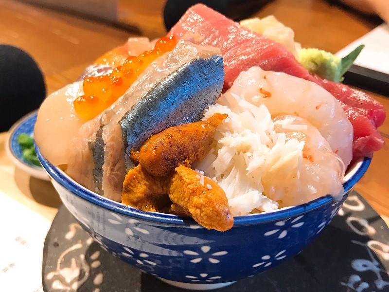 海鮮丼がおいしい!北24条のシハチ鮮魚店【北海道・札幌グルメ】