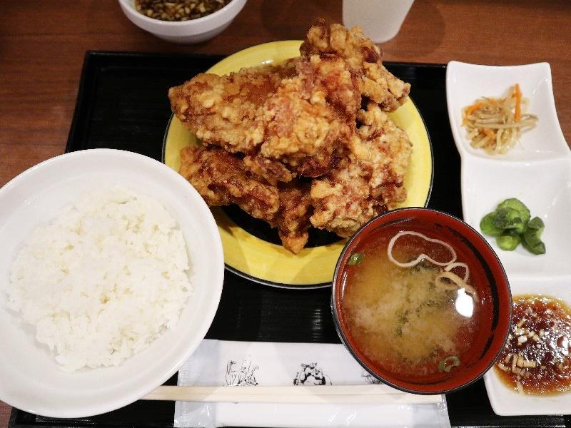 布袋のザンギ(鶏の唐揚げ)定食でお腹を満たそう【札幌グルメ】