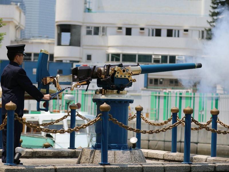 目前で大砲が火を噴く!正午の怡和午砲・ヌーンデイガン【香港観光】